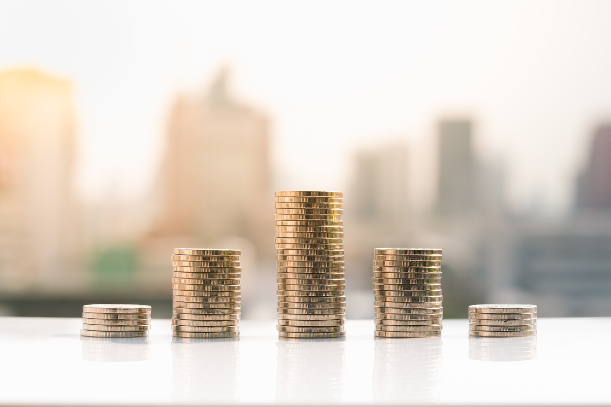 4 Tips to Reach Financial Stability